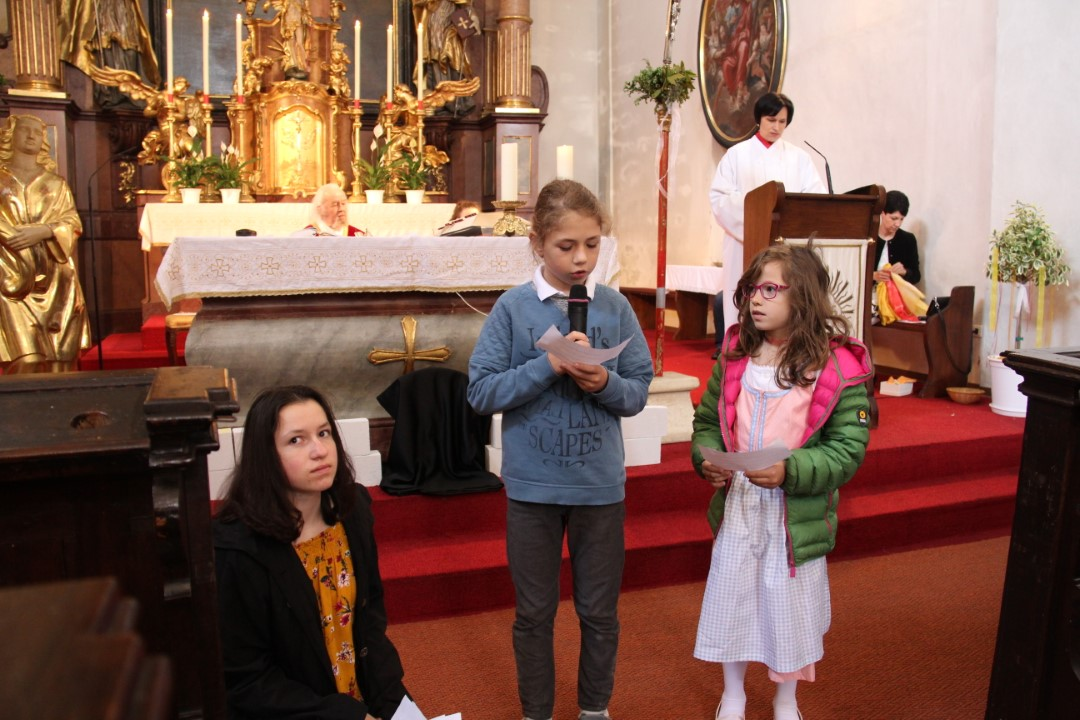 "Pfingsthochamt als ""Familienmesse"""